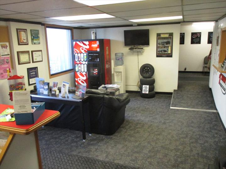 Troy Waller Autobody - Auto Body Shop - Fort Dodge, IA - Thumb 6